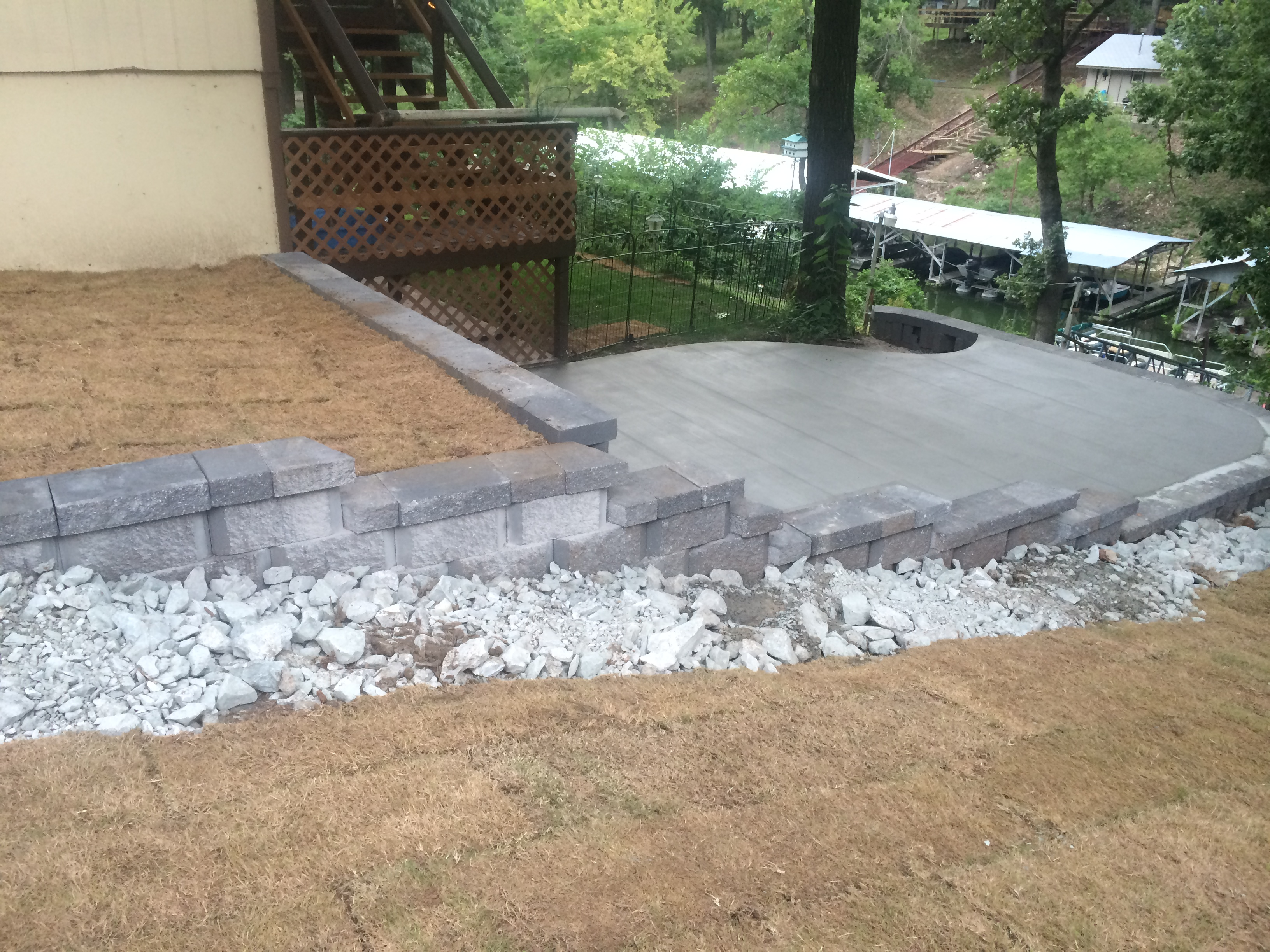 Landscaping Stones Joplin Mo : Professionally built retaining walls by r d lawn care