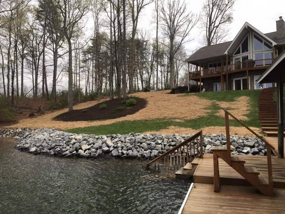 r-and-d-residential-landscaping-lake-home